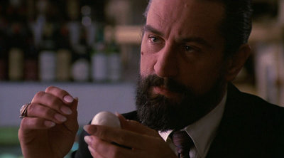 De Niro likes his eggs... deviled