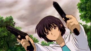 Kirika double-fisting pistols